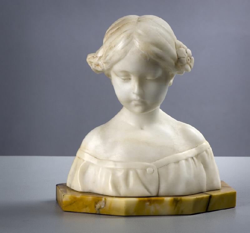 neznámý sochař - Busta dívky