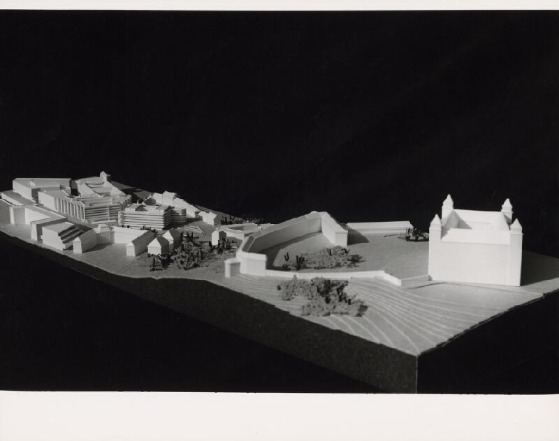 Vladimír Dedeček, Neznámy autor - Budova Najvyššieho súdu v Bratislave. Model objektu a širšieho okolia s hradom. Pohľad z vtáčej perspektívy.