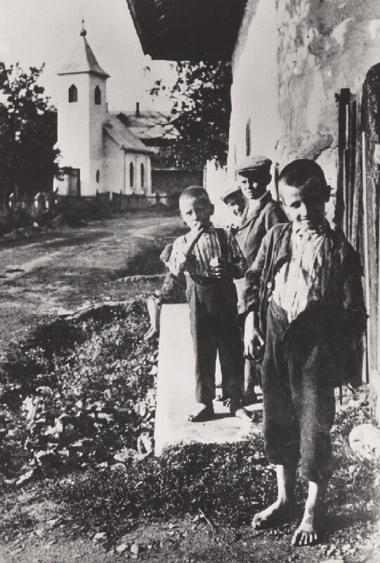 Irena Blühová - Deti. Bez topánok
