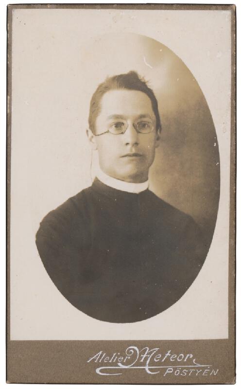 Ateliér Meteor - Portrét kňaza