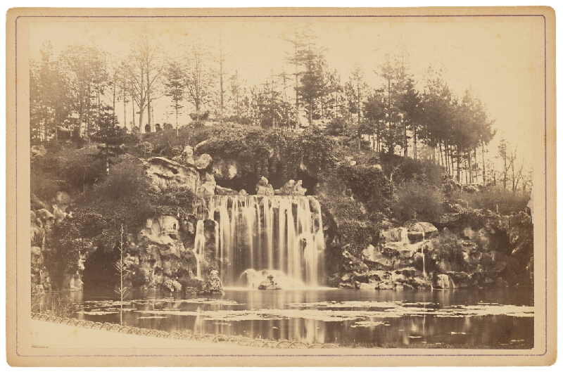 Ziegler & Cie. Éditeur - Paríž. Veľká kaskáda v Boulounskom lesíku (Grande Cascade am bois de Boulogne)