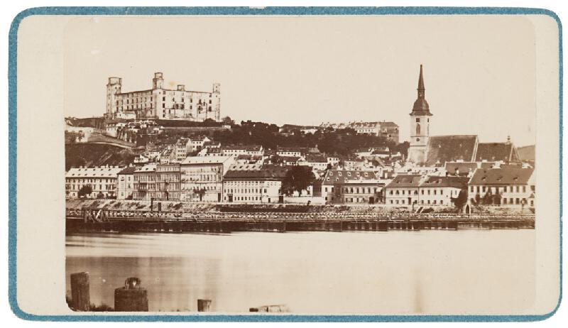 Eduard Kozič – Bratislavský hrad a Dóm sv. Martina z nábrežia Dunaja