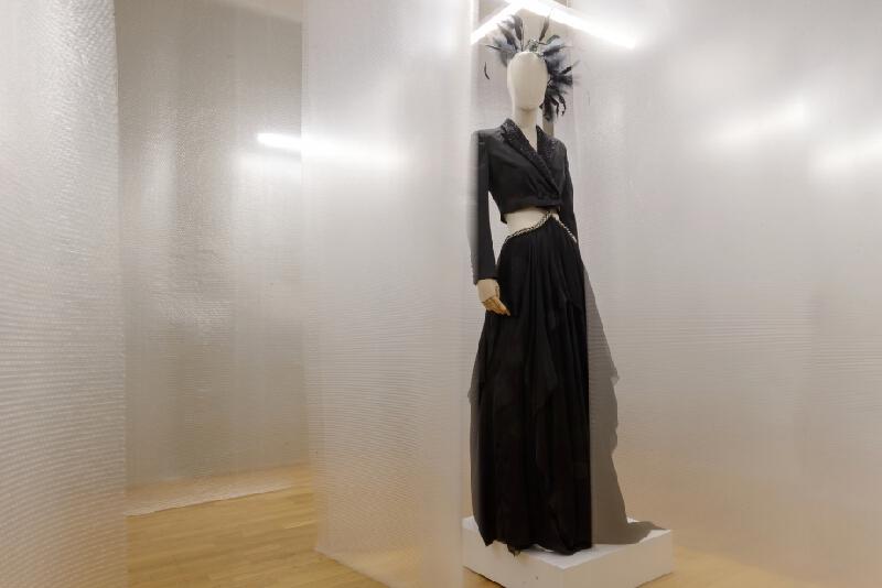 Pavol Dendis – Sands of Time. Večerné šaty